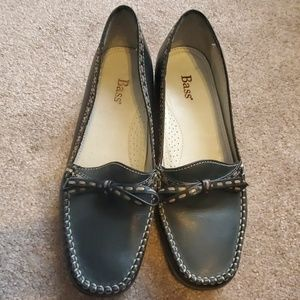 Bass womens loafer shoes 6.5m